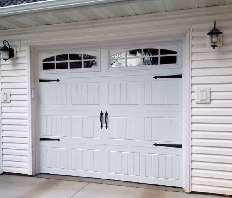 199V5 05RA2 8 X 7 Thermacore Door White With Stockton 2 8 LIte Arch Windows  (Decorative Spear Hardware)